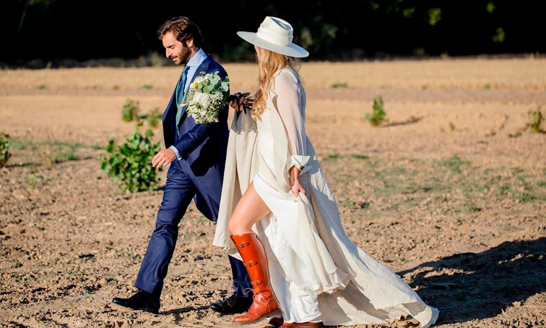 Guía para casarse con botas: así se lleva la tendencia que conquista a las novias más 'cañeras'