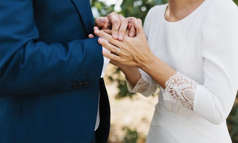 ¿Cambiar la fecha de las alianzas si se aplaza la boda? Las novias responden