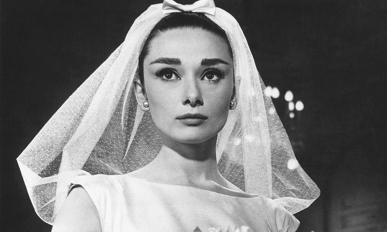 Se casó 2 veces, pero se vistió de novia 5: repasamos los looks nupciales de Audrey Hepburn
