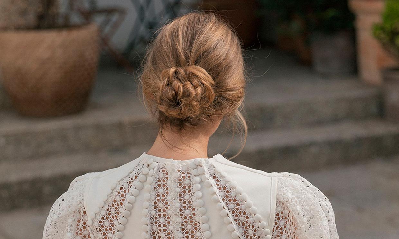 Si vas a llevar un vestido con mangas abullonadas deberías ver estos peinados