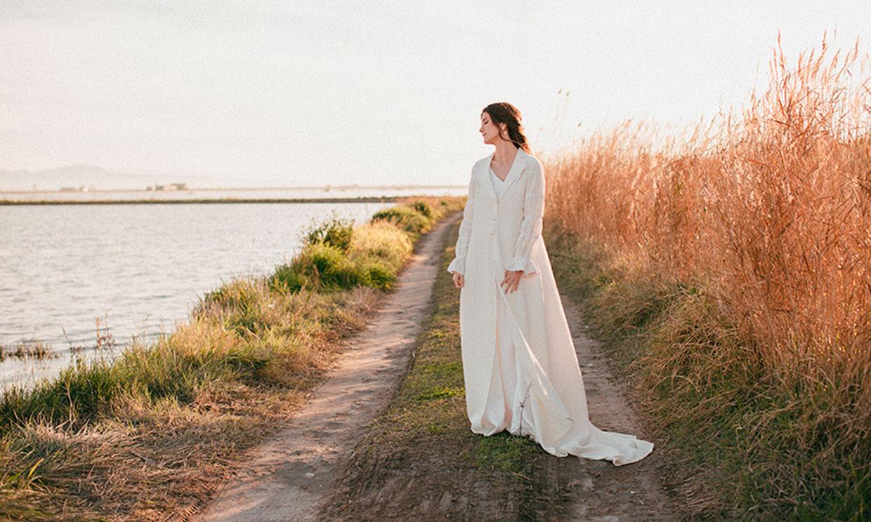 Cuento de invierno: vestidos de novia sencillos y atemporales para deslumbrar en esta estación