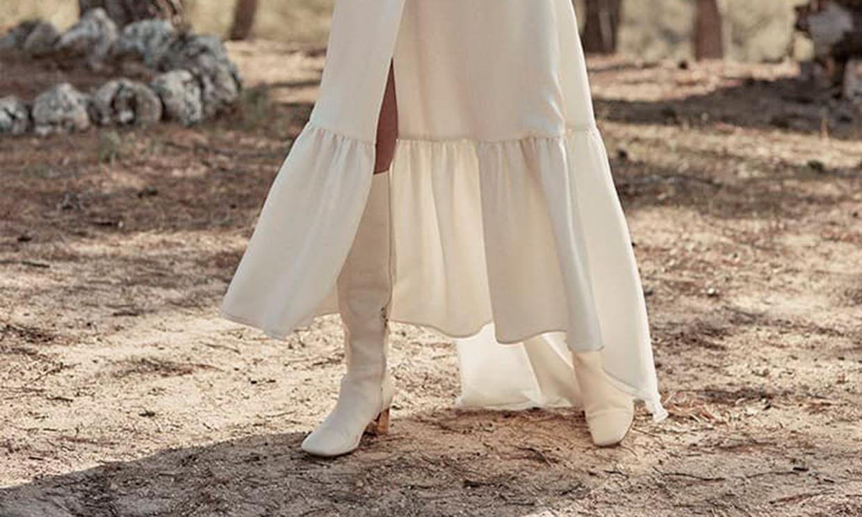 Botas y botines para novias que no quieren zapatos durante la estación más fría