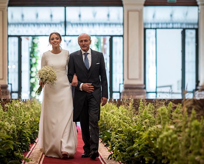 Vestido de novia sencillo para boda íntima