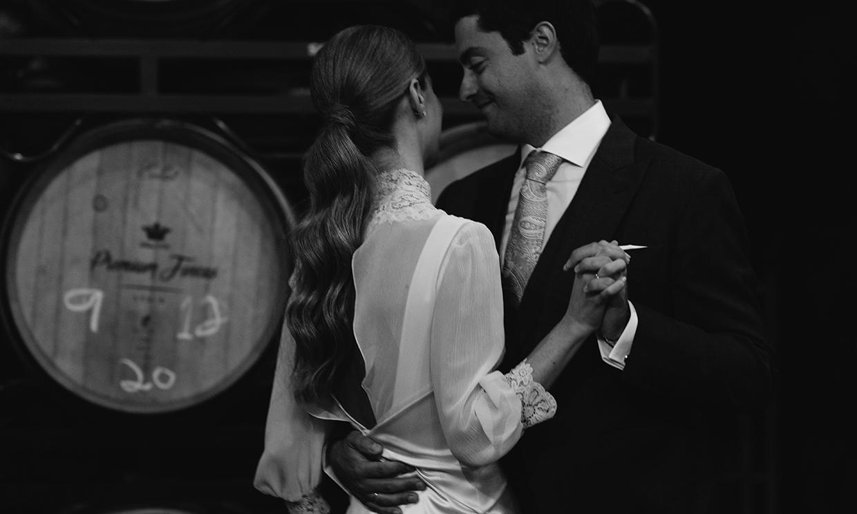 La boda en La Rioja de Paloma, la novia del vestido lencero desmontable