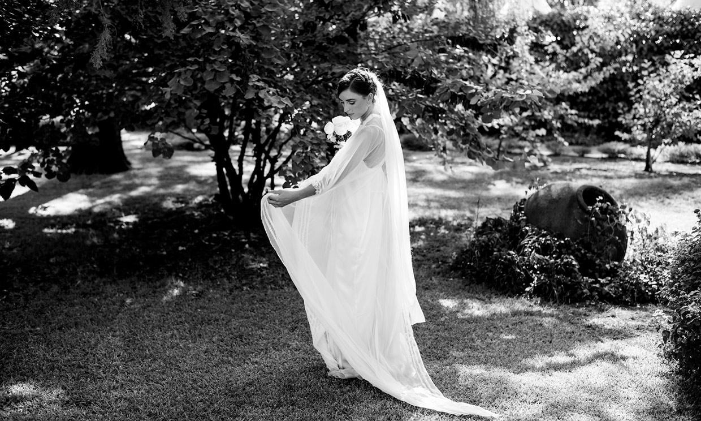 Un vestido caftán para Blanca, la novia del look lencero