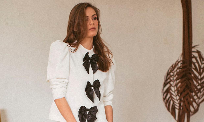 Trajes de chaqueta blancos que puedes llevar de tu boda al trabajo