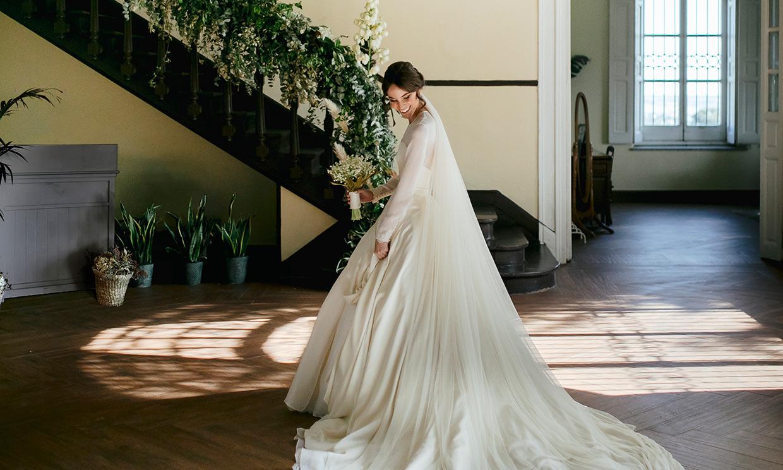 La boda de Anaïs en El Escorial, la novia de estilo princesa que se inspiró en Versalles