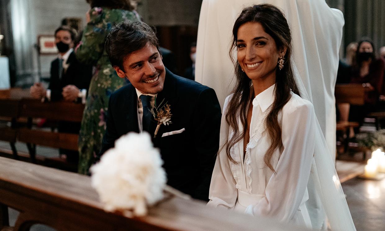 La boda íntima de Mónica, la novia que se casó con un precioso vestido camisero