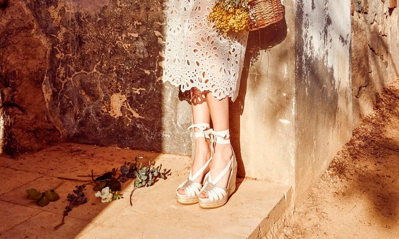 Todas las tendencias en alpargatas ideales para novias sencillas