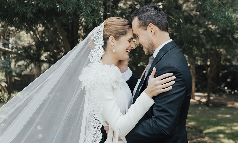 La boda de Ana en México con un vestido 'made in Spain' y un velo muy especial