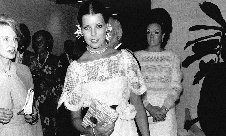 La fascinante colección de vestidos blancos de Carolina de Mónaco