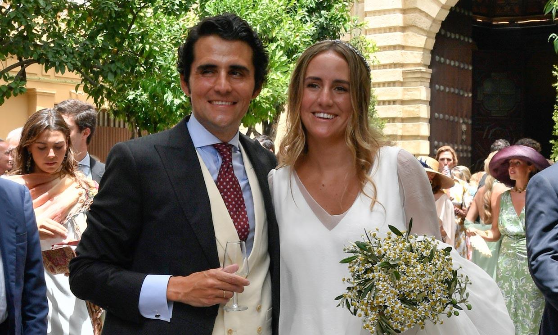 Ymelda Bilbao da el 'sí, quiero' con un sencillo vestido efecto dos piezas