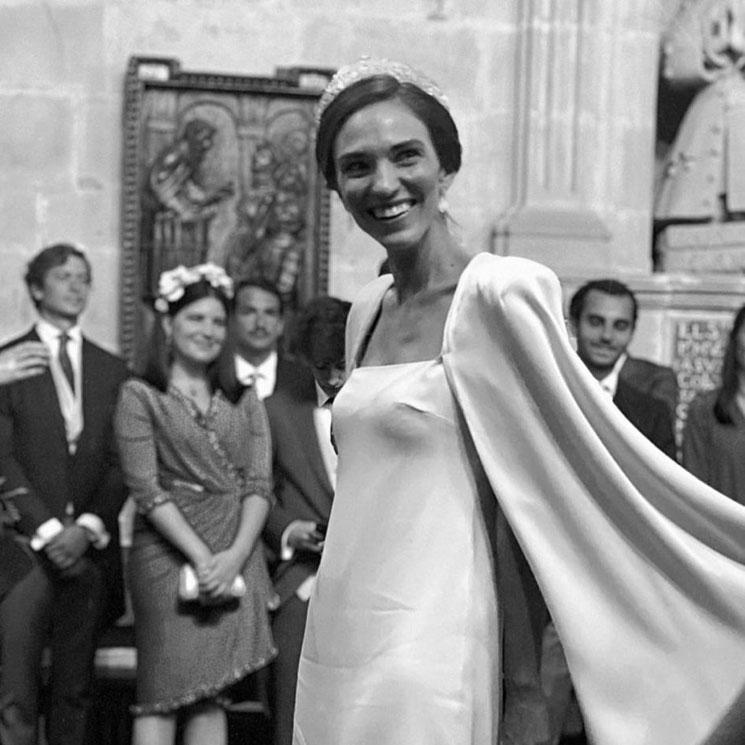 Fátima Úrculo se casa con un vestido 'efecto capa' y joyas de la familia Yanes