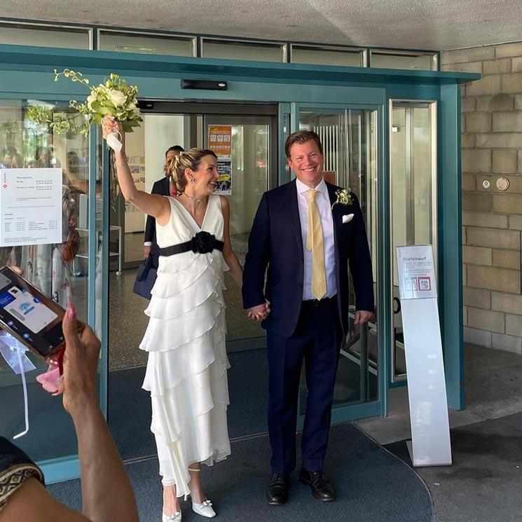 Tessy de Luxemburgo, una novia premamá con un original vestido cuajado de volantes