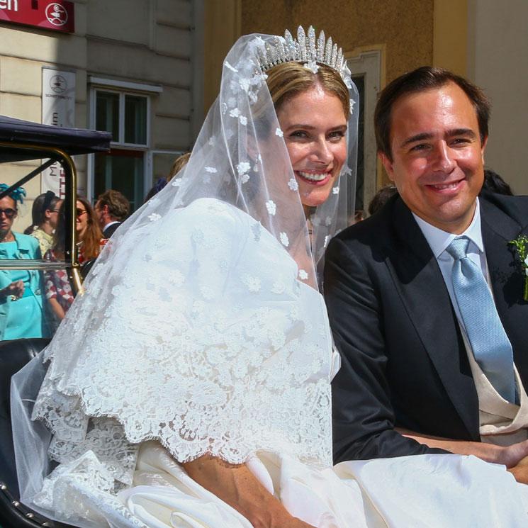 María Anunciata de Liechtenstein, dos vestidos de impacto y tiaras familiares en su gran día