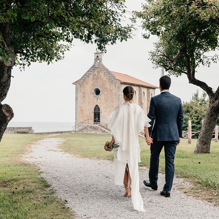 Un vestido de 'tweed' con capa para la boda de Naia en Vizcaya