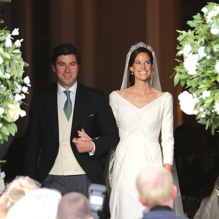 María Astrid de Liechtenstein se casa con el escote que más estiliza y bordados 'zig-zag'