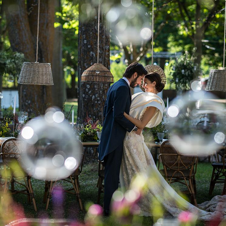 La boda en Sigüenza de Marina, la novia del vestido inspirado en Balenciaga