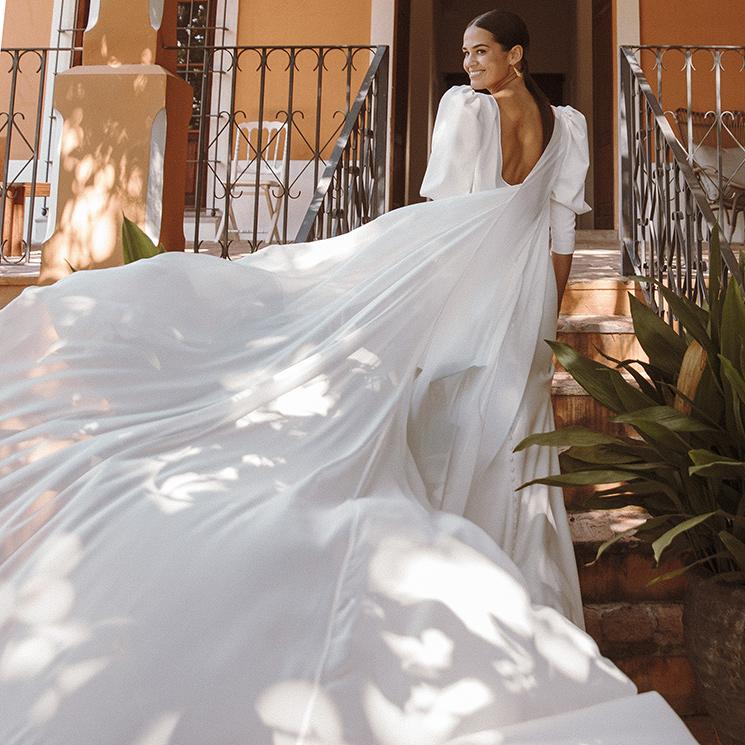 Pilar, la novia del vestido sencillo con mangas abullonadas que ha dado la vuelta al mundo