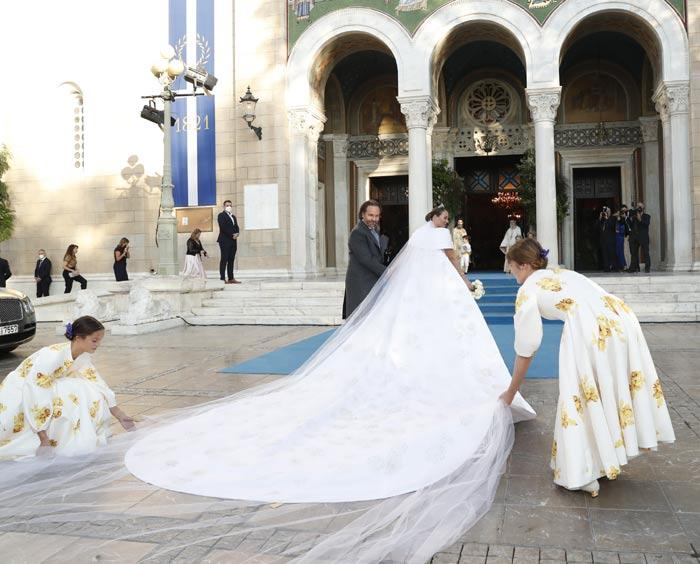 Нина Флор в свадебном платье