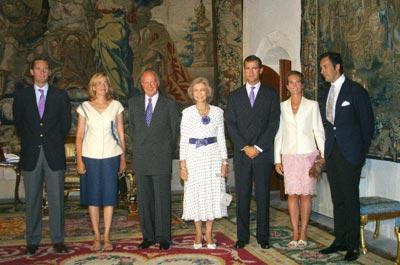 La familia real espa ola se despide de mallorca for Escuela de cocina mallorca