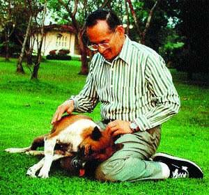 El Rey de Tailandia: número uno en la lista de los libros más vendidos