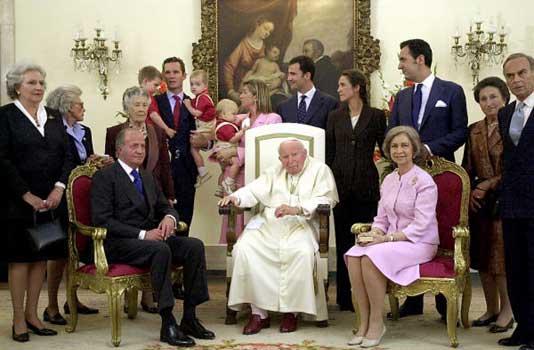 El Papa recibe en audiencia a la Familia Real española