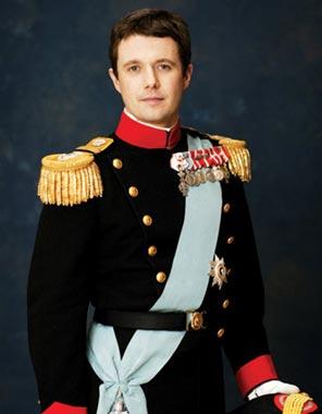 El príncipe Federico vestirá el día de su boda con Mary Donaldson el uniforme de gala de la Armada Real