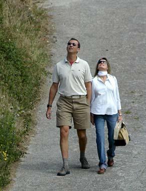 Los Príncipes de Asturias visitan en Ribadesella a la abuela paterna de doña Letizia