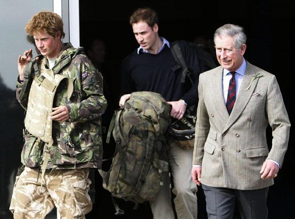 El príncipe Carlos, un padre orgulloso
