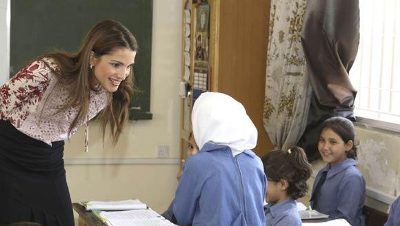 Rania de Jordania: 'Construir el futuro de nuestros niños es nuestra responsabilidad'