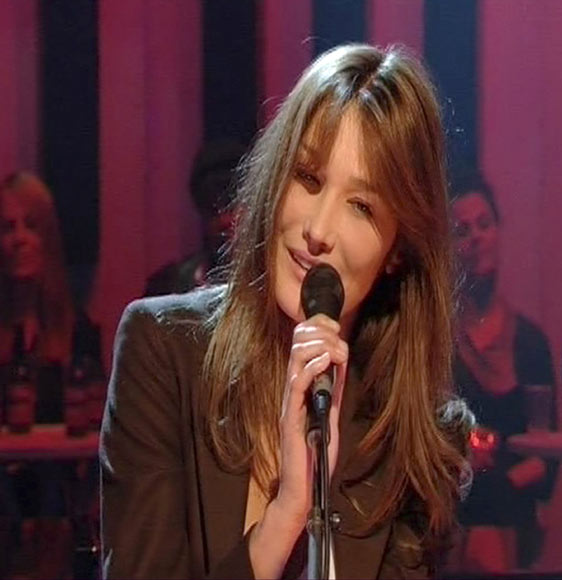 Carla Bruni 'revoluciona' Reino Unido, ahora como cantante