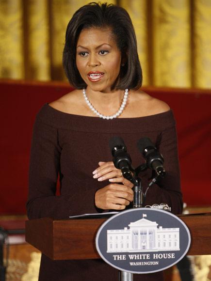 Michelle Obama da el do de pecho junto a estrellas de la canción para conmemorar el mes de la Mujer