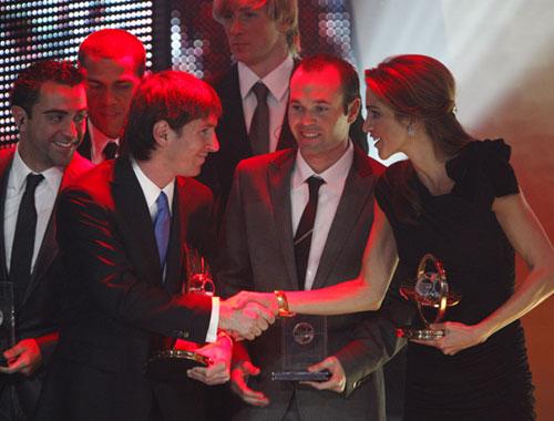 Los goles humanitarios de Rania de Jordania han recibido premio en la gala FIFA