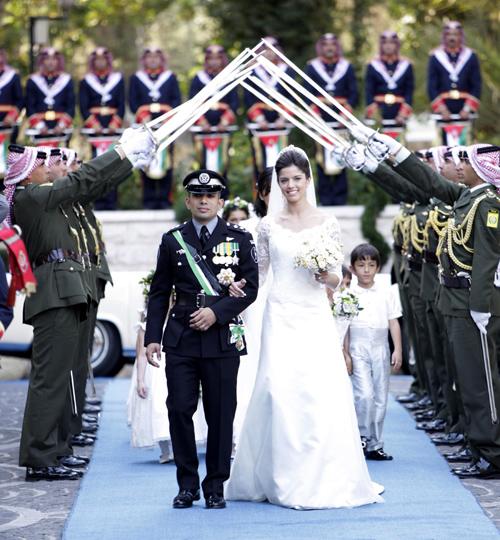 La reina Sofía, Victoria y Daniel de Suecia, el duque de Edimburgo... invitados de excepción en la boda del príncipe Rashid bin Al Hassan, primo del rey Abdalá de Jordania