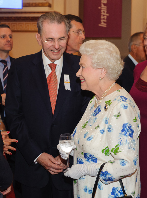 Familia real Britanica Coi-reina-isabel--a