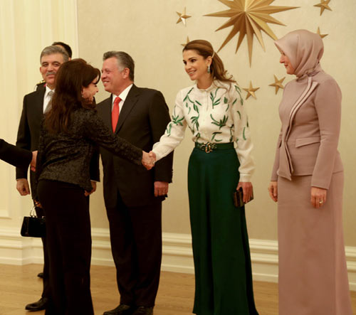 Rania de Jordania sube el listón de la elegancia