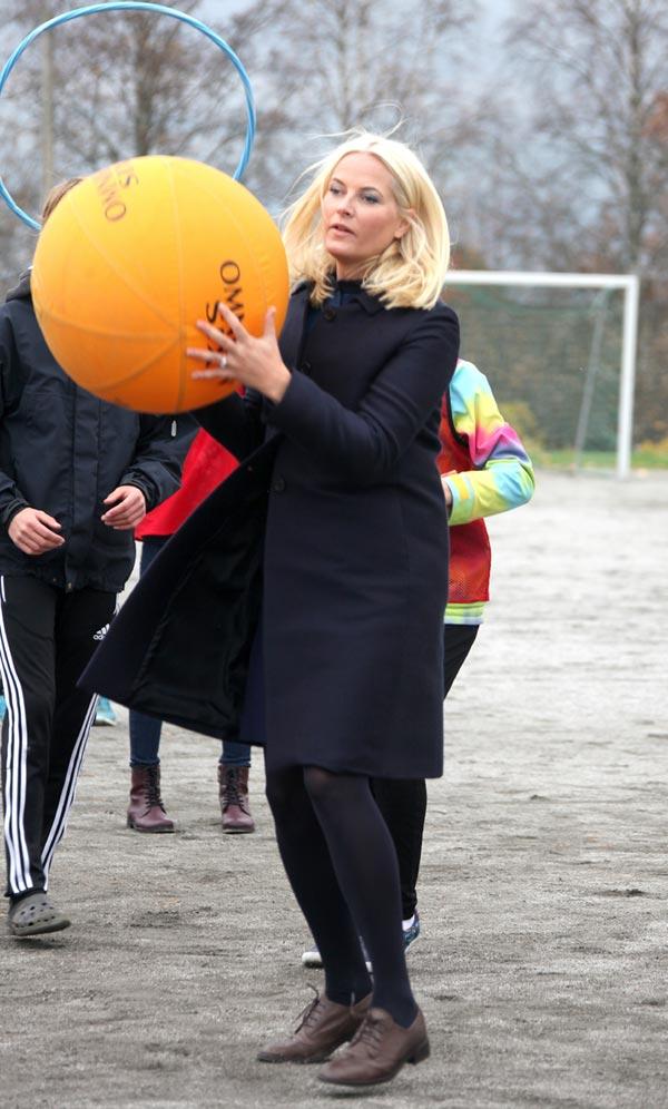 Mette-Marit de Noruega y Marie de Dinamarca, entre las Princesas anda el juego