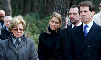 La Familia Real griega se reúne en Tatoi en recuerdo de los reyes Pablo y Federica