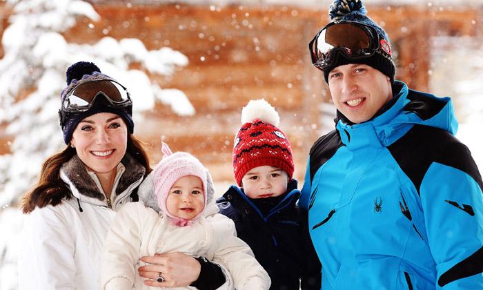 Los Duques de Cambridge comparten ¡las primeras vacaciones de esquí de los príncipes George y Charlotte en los Alpes!