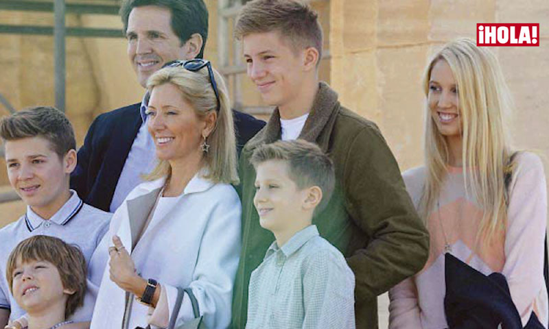 Así es la mediática y divertida familia numerosa de Pablo y Marie Chantal de Grecia