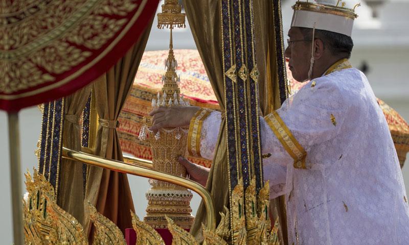 Las imágenes más llamativas del funeral del rey de Tailandia