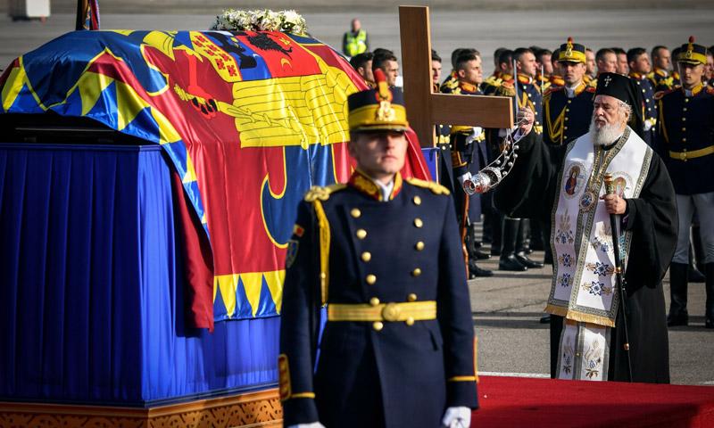 Solemne y multitudinario último adiós a Miguel de Rumanía
