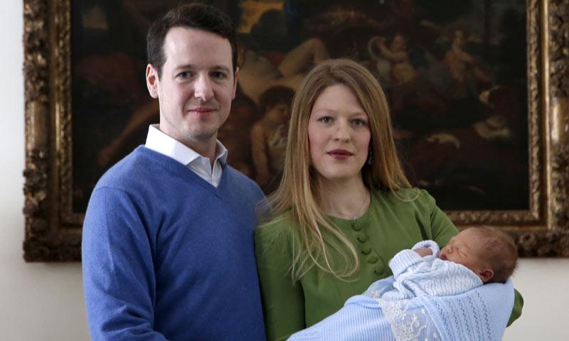 Primeras imágenes de Stefan, el hijo del príncipe Felipe de Serbia y Danica Marinkovic