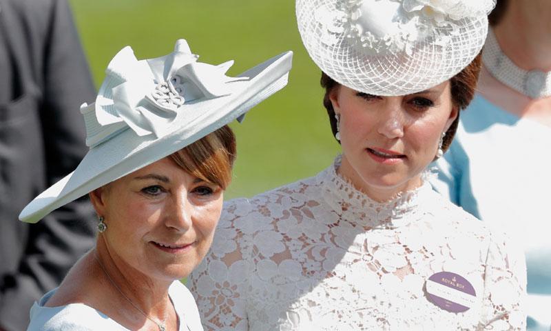 Los consejos de Carole Middleton a su hija, la duquesa de Cambridge, sobre el bautizo del príncipe Louis