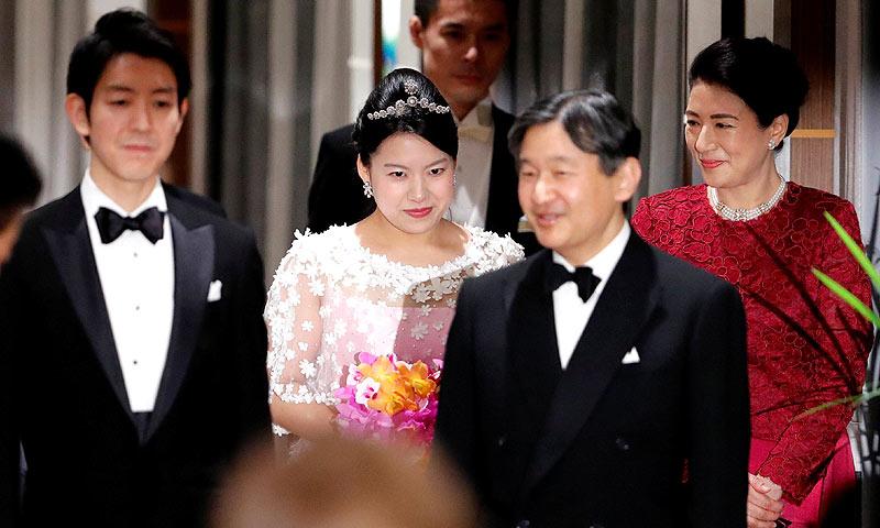 Los futuros emperadores de Japón se vuelcan con la última boda imperial de esta era
