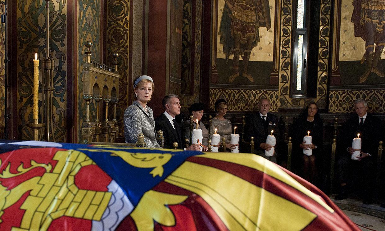 El emotivo entierro de la reina Elena, tía de doña Sofía, en Rumanía