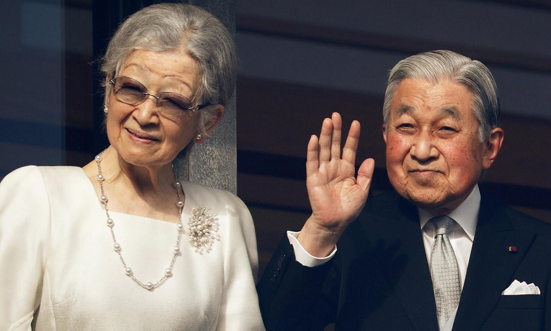 El estado de salud de Akihito de Japón en observación tras un desmayo