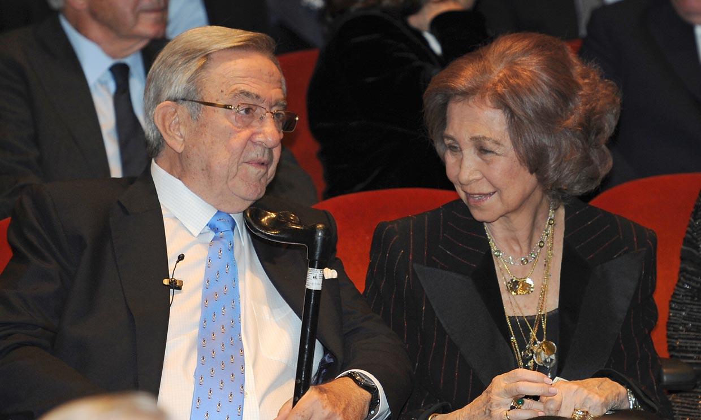 En ¡HOLA!, el cariño y orgullo con el que el rey Constatino habla de su hermana, la reina Sofía