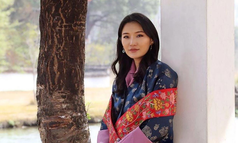 La reina de Bután cumple 30 años estrenando su segunda maternidad